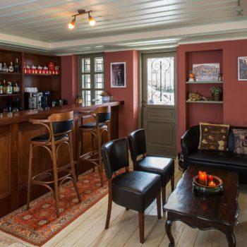 Lounge Bar - Pirrion Sweet Hospitality